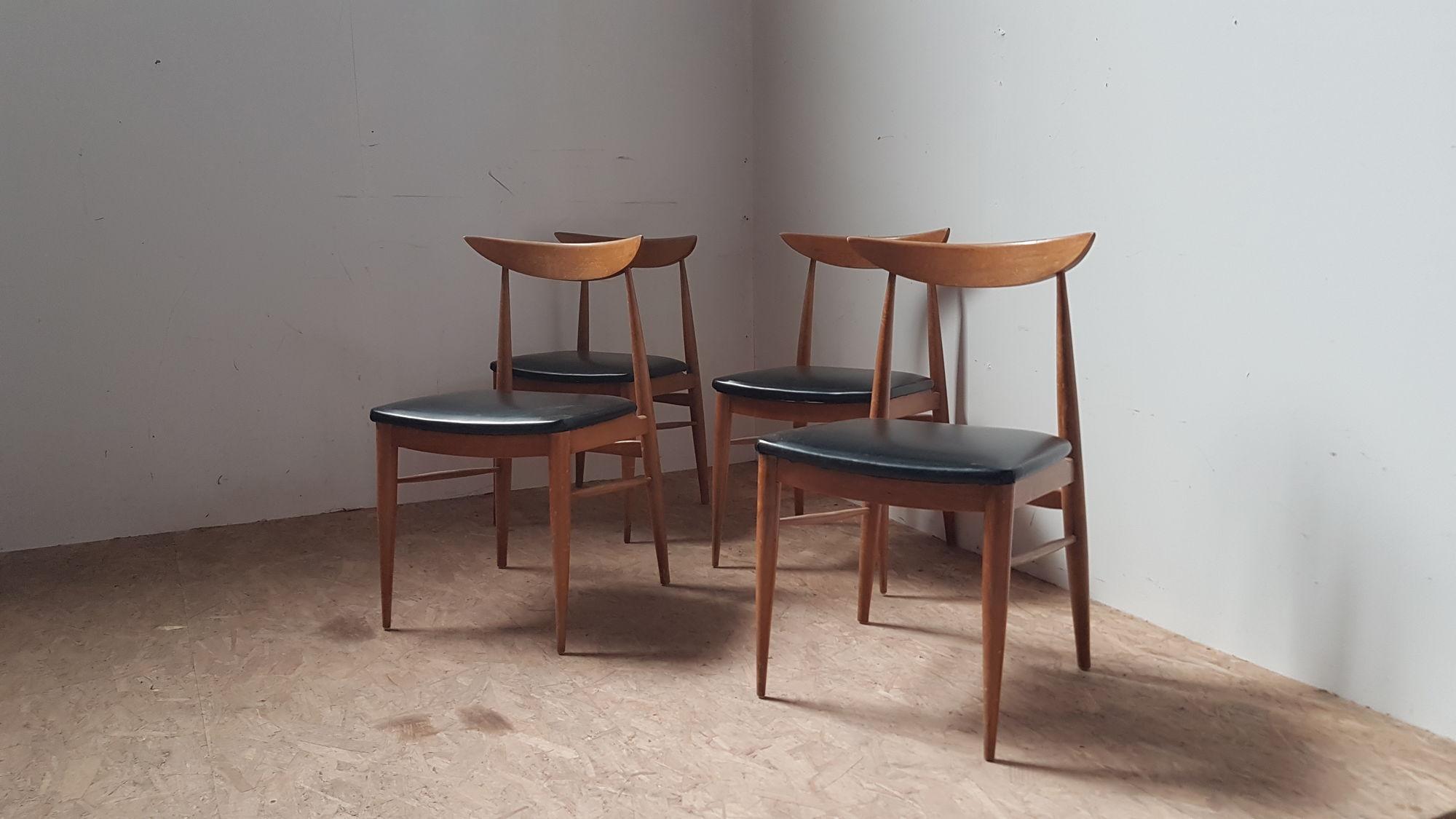 Set 4 scandinavische stoelen