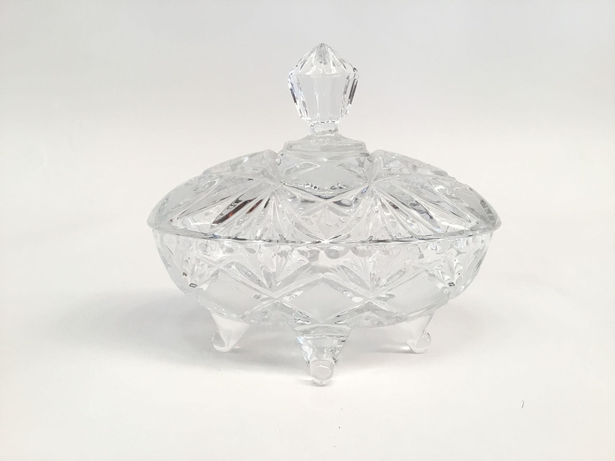 glazen schaal met deksel